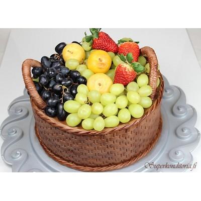 Hedelmäkori kakku