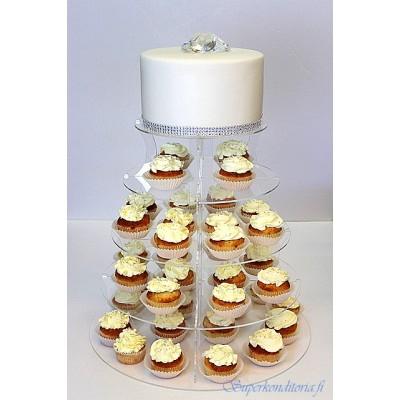 Valkoinen hääkakku ja muffinssitorni